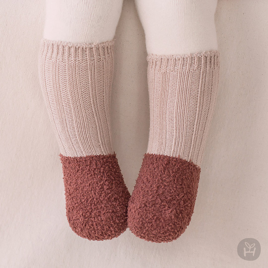 New Fuzzy Layered Winter Socks