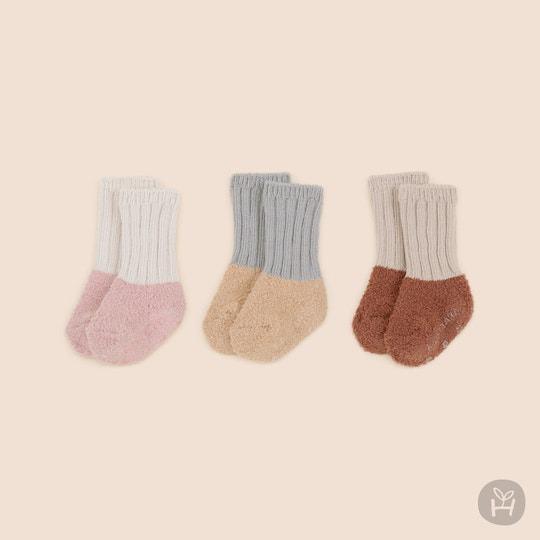 Fuzzy Layered Winter Socks – Ver 1