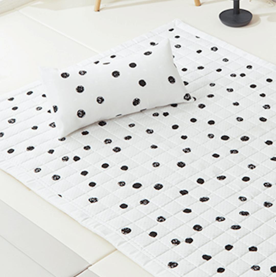 Artificial Silk Premium Cooling Babycare Mat – Summer Dot