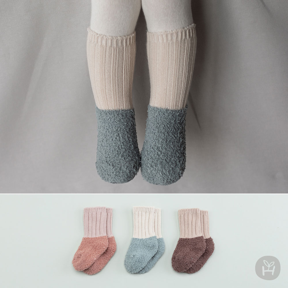 New Fuzzy Layered Winter Baby Socks – Ver 2
