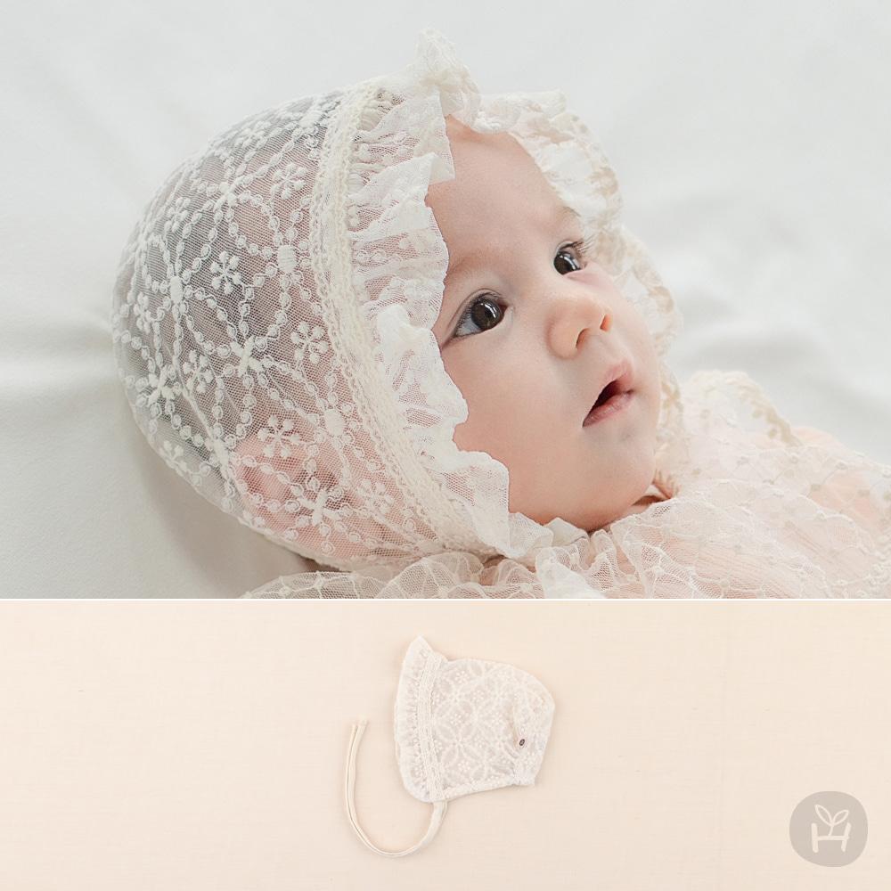 Lunilla Lace Baby Bonnet